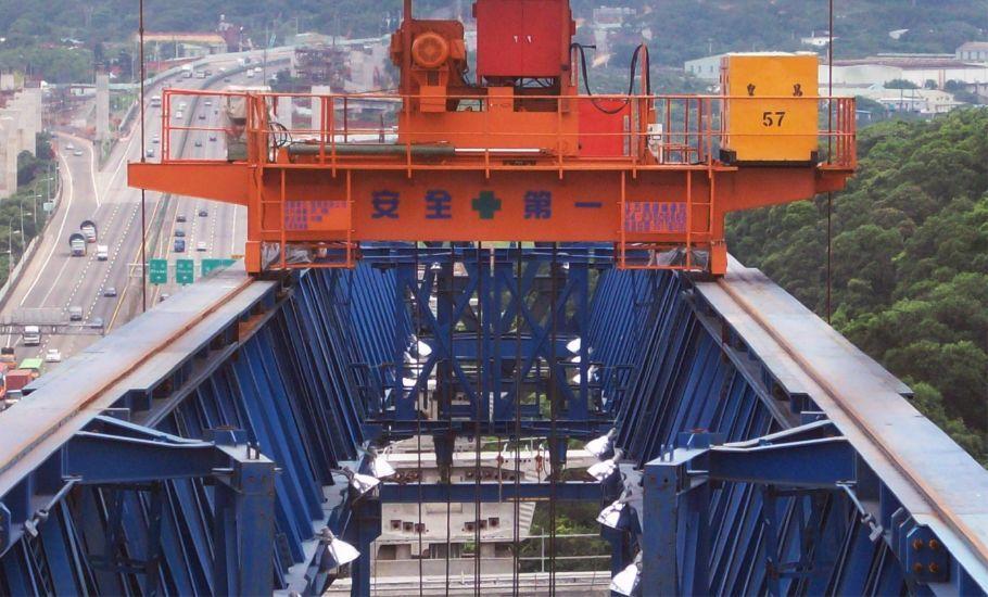 公共工程 皇昌 營造 五楊高架 開放式 門型 吊車 工程