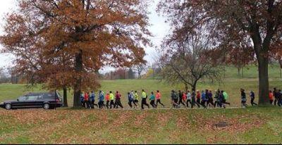 Pohřeb běžce Jima Kelleyho