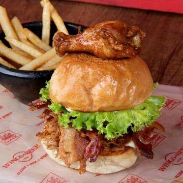 sandwich y hamburguesas wings and beer palmira