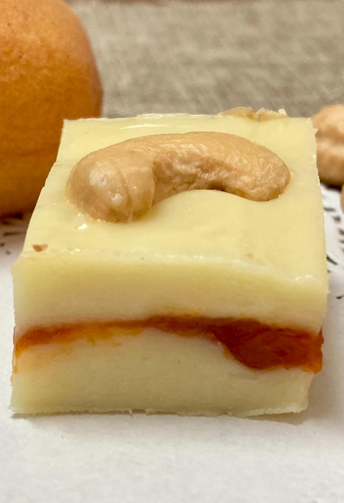 Milk fudge with apricot, honey and cashews