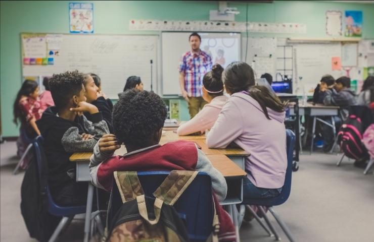 pantallas para educación