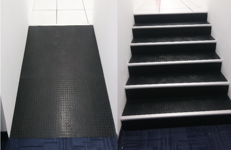 Netline Steel ramp & Steps with non-slip black rubber studded mat finish.