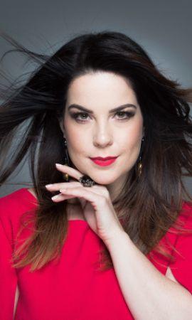 Camila Titinger, soprano