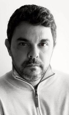 Rodrigo Esteves, barítono