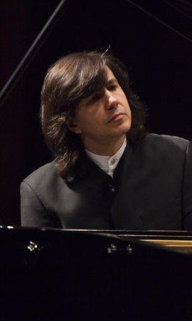 Ricardo Castro, regente, pianista