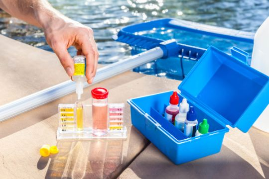 pH chemical test in a swimming pool